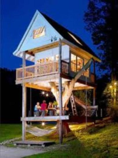 Fabulous backyard playhouse to delight your kids 36