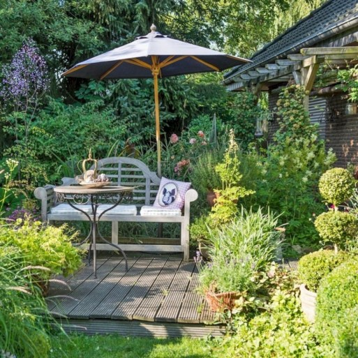 Beautiful courtyard garden design ideas 07