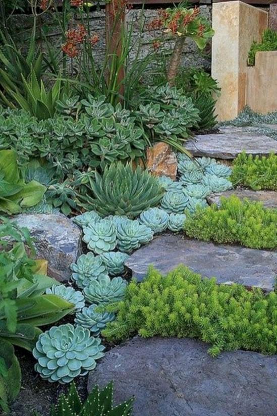 Beautiful courtyard garden design ideas 25