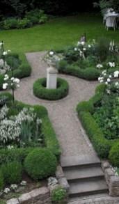 Beautiful courtyard garden design ideas 30