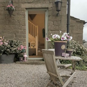 Beautiful courtyard garden design ideas 32