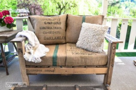 Best diy projects with pallet for your garden 18