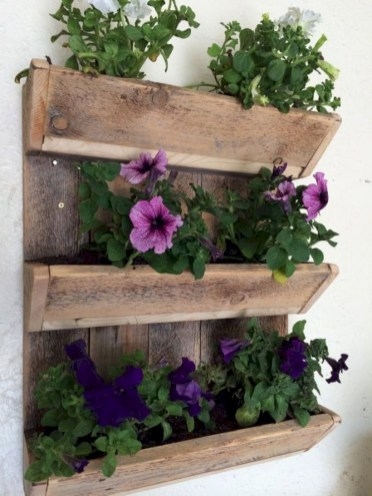 Best diy projects with pallet for your garden 31