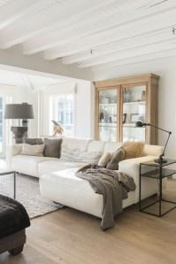 Cozy scandinavian-inspired loft 09