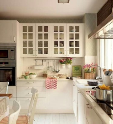 Gorgeous narrow kitchen with stunning details 15