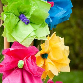 Simple and easy diy tissue paper flower garland 23