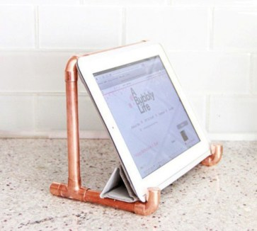 Stunning ideas to use copper pipes for your home decor 07