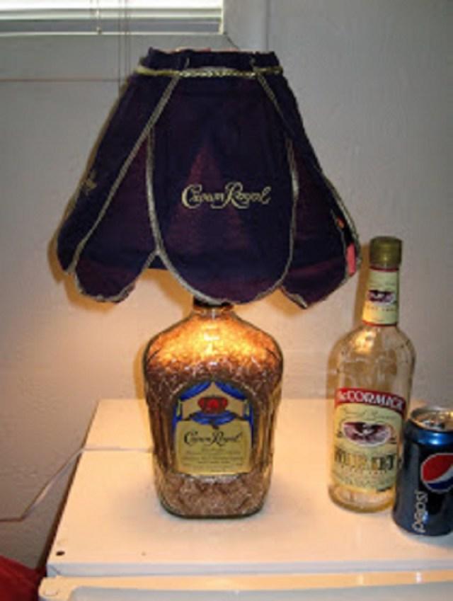 Whiskey-bottle-lamp