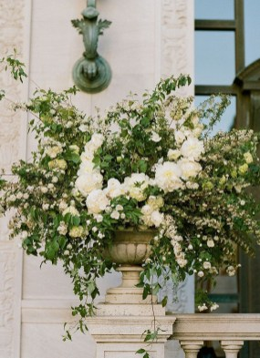 Diy floral arrangement that you can use on your wedding day 15