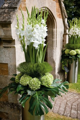 Diy floral arrangement that you can use on your wedding day 26