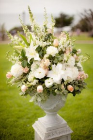 Diy floral arrangement that you can use on your wedding day 32