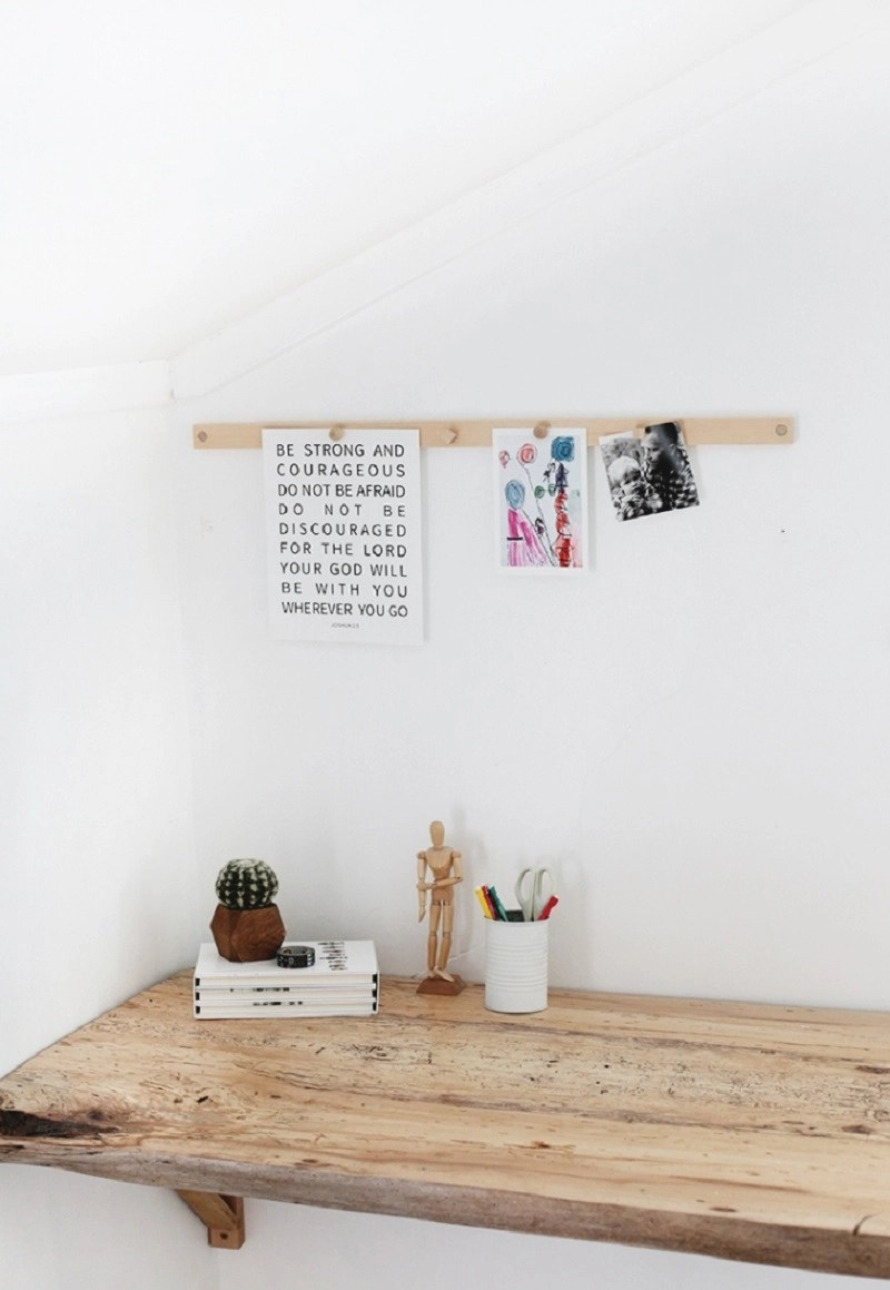 Make your room looks tidier by putting some of your projects at magnetic display rail. It helps you to save your children's drawings, photos, or other things into a better arrangement. You don't have to have more space, because it only needs some parts of your wall. The good news is that this magnetic display rail can be made by you. Here they are some inspirations to try; http://themerrythought.com/diy/diy-magnetic-display-rail/ Here, you need to prepare pine board first. After that by using saw and cut the pine board to place a long magnet inside. With screwdriver you can make the hole and adhere it to the wall using nails. Next, this magnetic display rail is ready to use. http://www.theartofed.com/2012/03/07/a-faster-way-to-display/ This is the simplest way to display your student paper on the wall. It doesn't require much budget and less money to create this gallery. This trap ease rail helps you as a teacher to display all your student creativity project s on the wall. https://www.marthastewart.com/273455/picture-rail Your children artwork will be save by putting on this bulletin-board picture hang on the hallway. It is not only functions as storage but also gives the hallway aesthetic value. Just make your own boards from inexpensive lightweight materials and cover it with fabric. https://www.apartmenttherapy.com/how-to-hang-art-down-a-long-ha-101754 Prepare a row of painted boards and simple clips to change your children artwork display. Those artworks will against the wall and show their artistic value. One day, you will love this picture more than anything in your house. https://www.apartmenttherapy.com/julie-and-jespers-musical-scandi-canadian-nest-house-tour-172204#gallery/38118/16 Rather than put on your photos on the album, it will be better for you to display them with timber rails, nails and paper clips. It looks simple and easy to see, even by your guest. Just try this simple project this weekend! https://www.crateandbarrel.com/white-gallery-art-rail