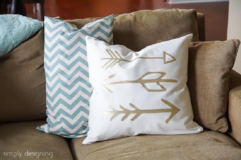 Gold arrow pillow