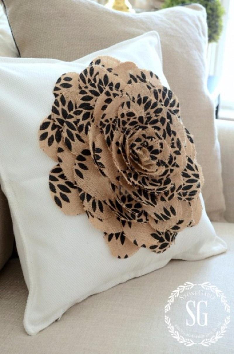 No-sew-burlap-flower-pillow