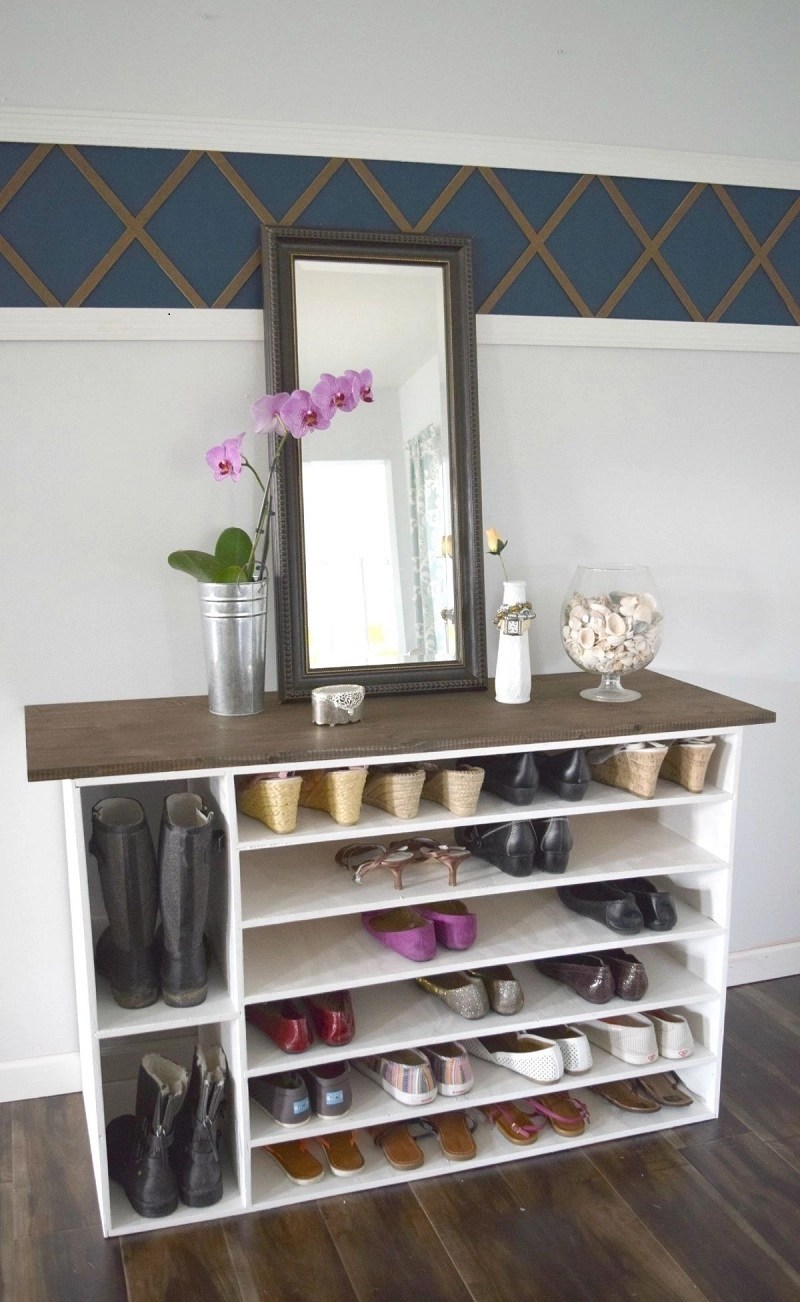 Stylish shoe rack
