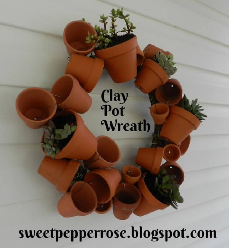 Flower pot wreath with succulents