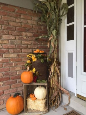 Awesome farmhouse fall decor porches 19