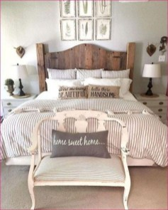Best modern farmhouse bedroom decor ideas 06