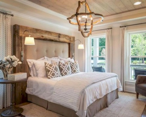 Best modern farmhouse bedroom decor ideas 17
