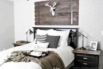 Best modern farmhouse bedroom decor ideas 23