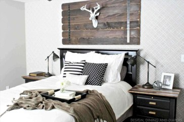 Best modern farmhouse bedroom decor ideas 23