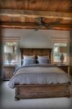 Best modern farmhouse bedroom decor ideas 34