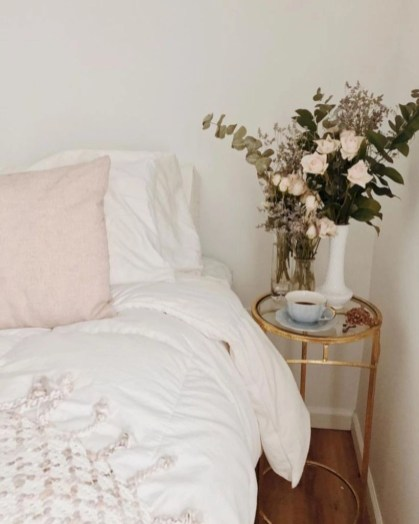 Creative bedroom decoration ideas for a new spring looks 01