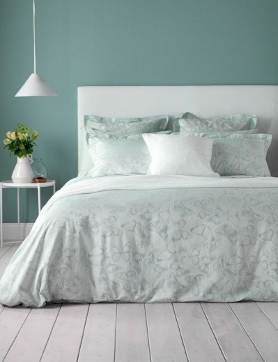 Creative bedroom decoration ideas for a new spring looks 28