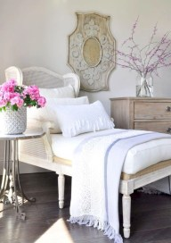 Creative bedroom decoration ideas for a new spring looks 33
