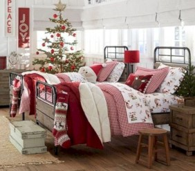 Cute farmhouse christmas decoration ideas 14
