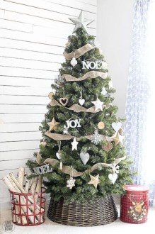 Cute farmhouse christmas decoration ideas 33