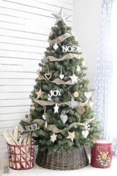 Cute farmhouse christmas decoration ideas 33