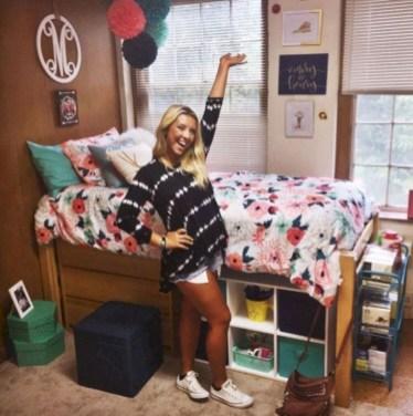 Elegant dorm room decorating ideas 27