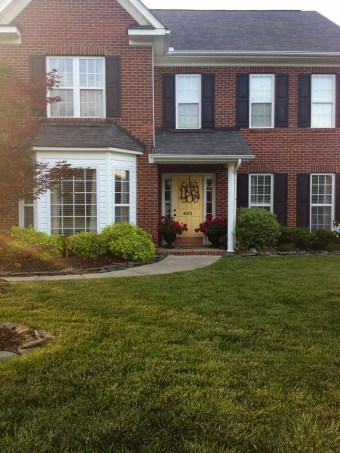 Exterior paint colors with red brick 14