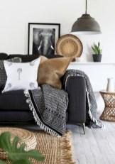 Incredible european farmhouse living room design ideas 33