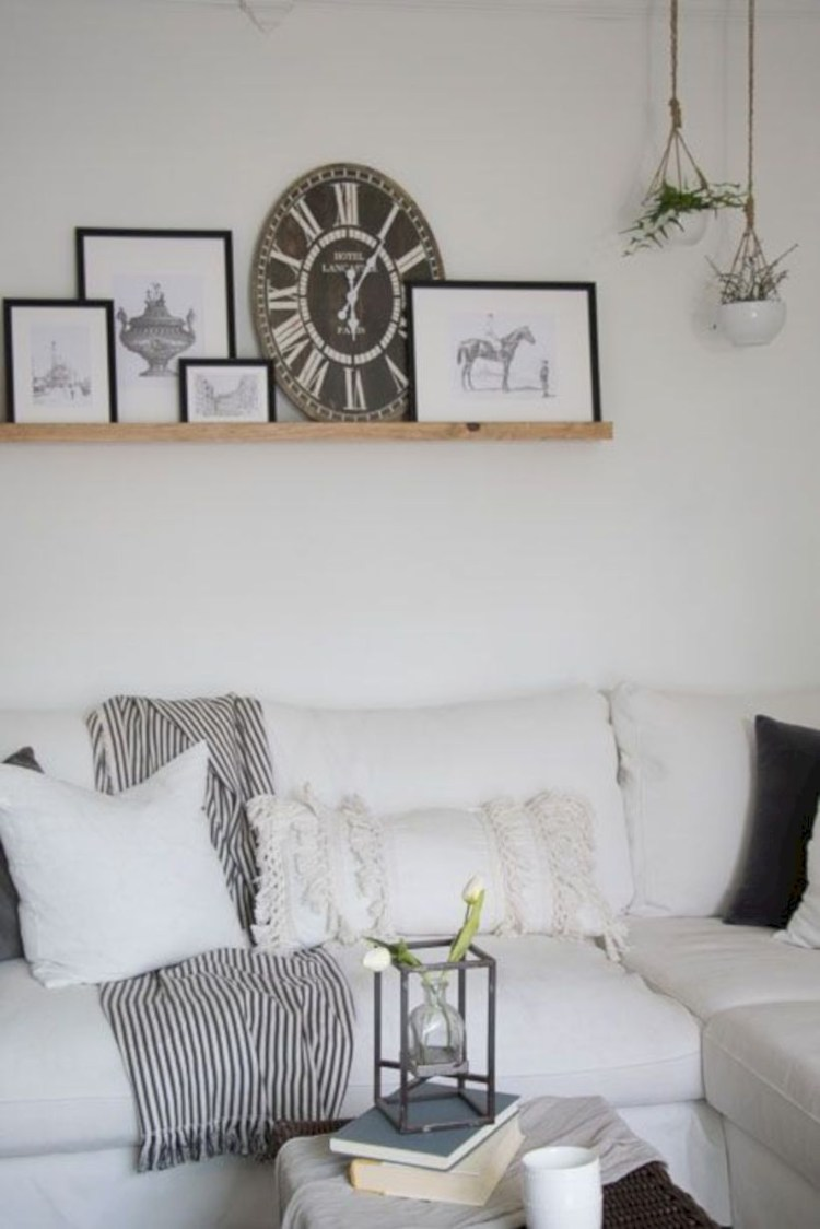 Incredible european farmhouse living room design ideas 48