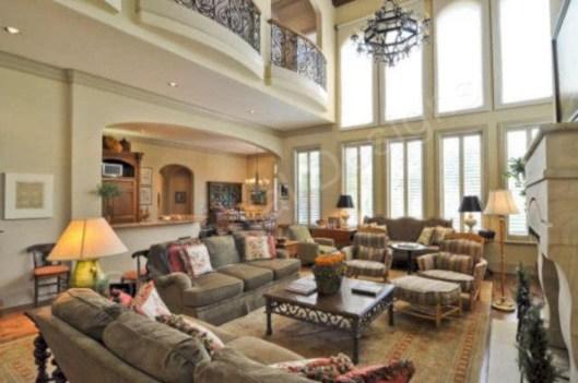 Incredible european farmhouse living room design ideas 85