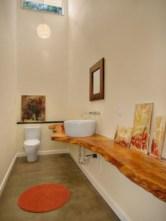 Incredible half bathroom decor ideas 92