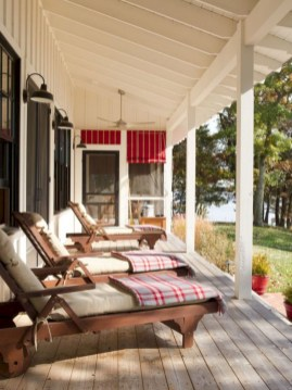 Rustic farmhouse front porch decorating ideas 02