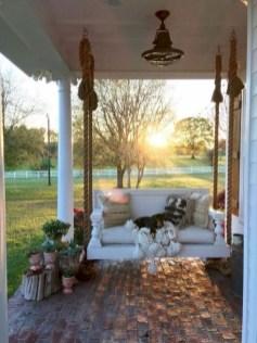 Rustic farmhouse front porch decorating ideas 38