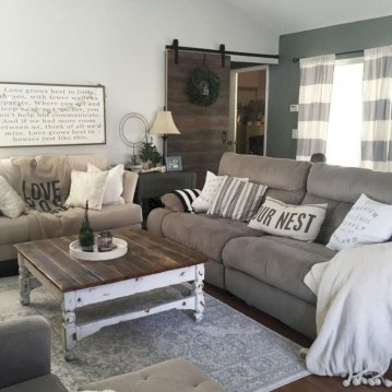 Rustic farmhouse living room decor ideas 26
