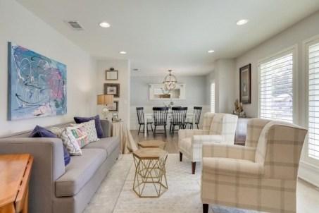 Rustic farmhouse living room decor ideas 31