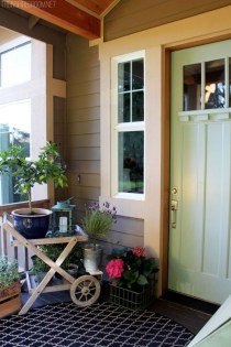 Spring decor ideas for your front porch 14