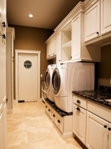 Beautiful and functional laundry room design ideas to try 12