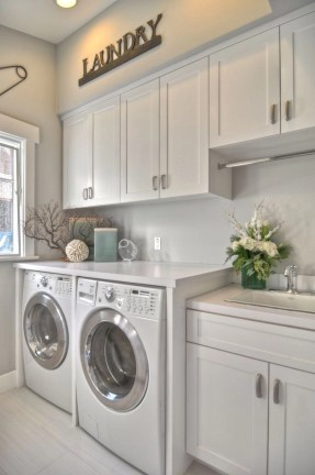 Beautiful and functional laundry room design ideas to try 50