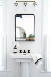 Best bathroom mirror ideas to reflect your style 33