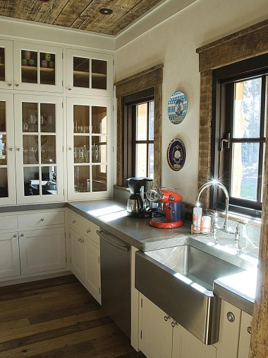 Top farmhouse sink designs for your lovable kitchen 03