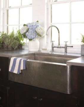 Top farmhouse sink designs for your lovable kitchen 34