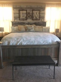 Awesome rustic bedroom furniture ideas to get the farmhouse charm 50