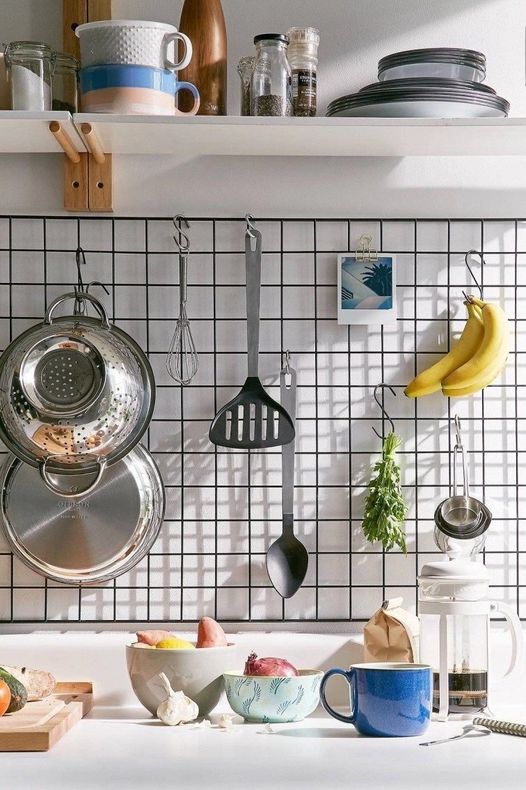Best diy decor ideas for your home using wire wall grid 41